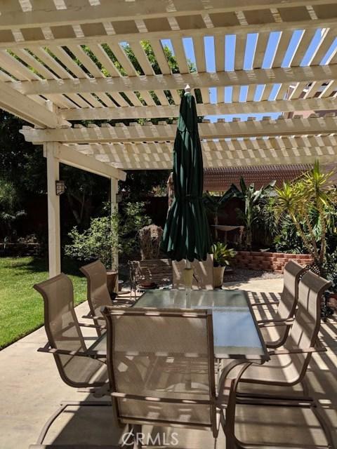 2563 Gilbert Avenue, Corona CA: http://media.crmls.org/medias/5d12aea0-73ca-44d6-bdbf-50e103367c74.jpg