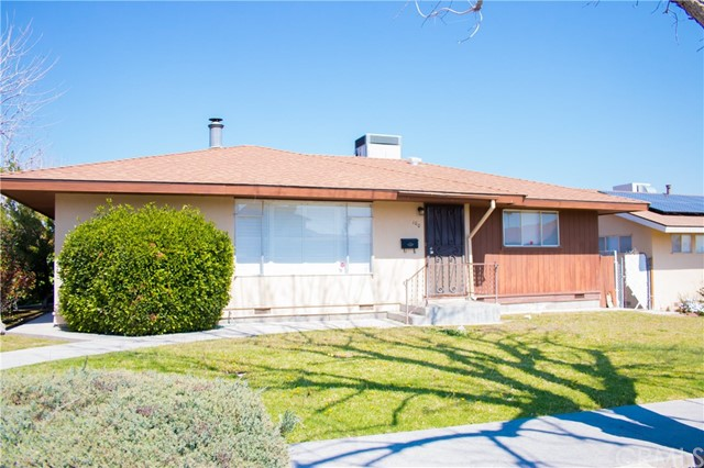 Single Family Home for Sale at 100 Warren Street E Taft, California 93268 United States