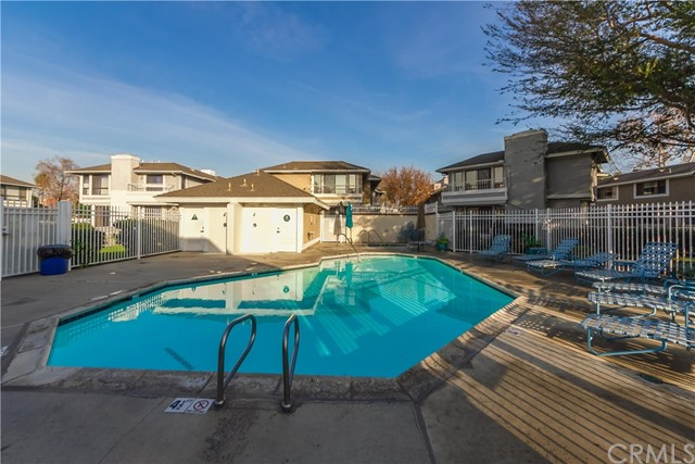288 S Seneca Cr, Anaheim, CA 92805 Photo 4