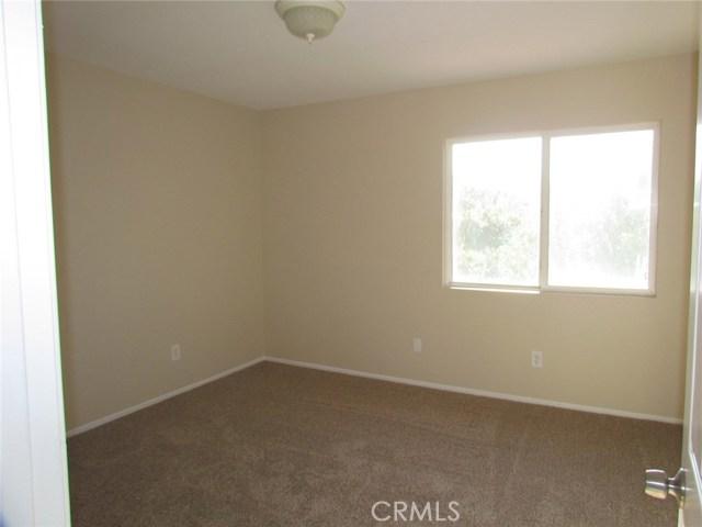42205 57th W Street, Quartz Hill CA: http://media.crmls.org/medias/5d280969-d899-4f5c-b7e6-d90db5efbbd4.jpg
