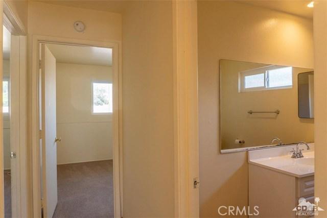 316 Acacia Street, Blythe CA: http://media.crmls.org/medias/5d366a9a-8d6d-4be6-9dd8-6025df43596f.jpg