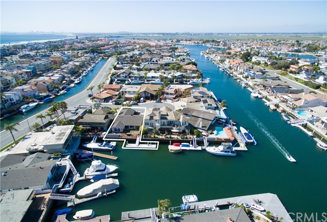 3262  Falkland Circle, Huntington Harbor, California