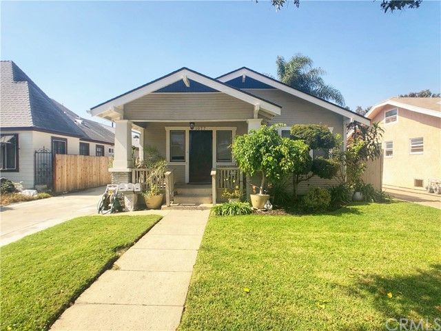 1077 Roswell Avenue