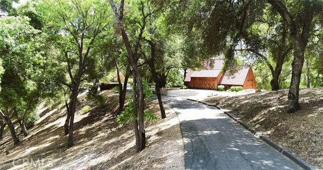 8225 Vineyard Drive, Paso Robles CA: http://media.crmls.org/medias/5d4d1cc3-dca4-45db-84e7-1dd814caeb3f.jpg