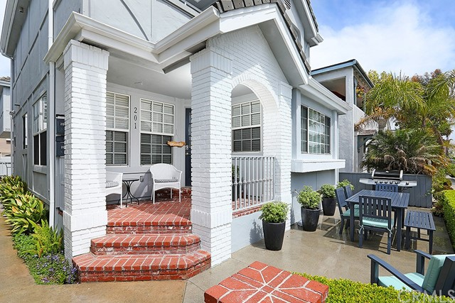 201 Agate Avenue, Newport Beach CA: http://media.crmls.org/medias/5d4f0867-cd1f-4bfc-83ae-f5f8b1f6dcb9.jpg