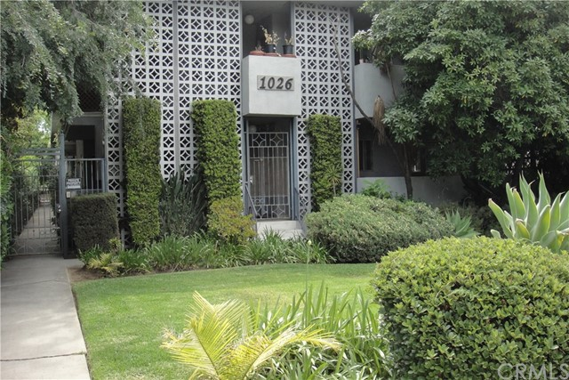 1026 La Cadena Avenue, Arcadia CA: http://media.crmls.org/medias/5d56271b-f8fc-4646-8178-96de3bd0ff09.jpg
