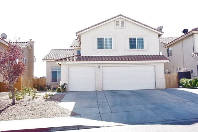 Detail Gallery Image 1 of 19 For 17653 Dayton St, Victorville, CA 92395 - 5 Beds   3 Baths