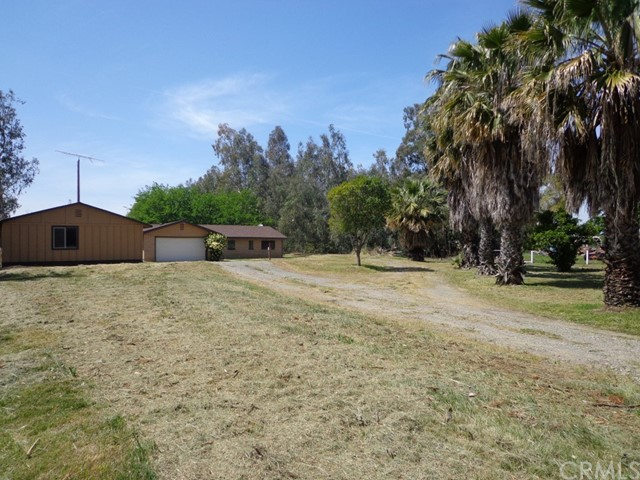 1987 County Road Kk, Willows CA: http://media.crmls.org/medias/5d625850-beaf-48f9-a9c5-8756ec65b598.jpg