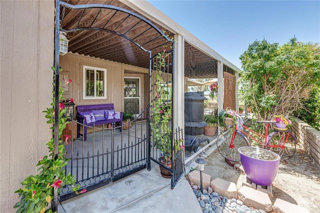 73450 Country Club Drive, Palm Desert CA: http://media.crmls.org/medias/5d665a2b-469c-42f9-9117-a7bbd636f389.jpg