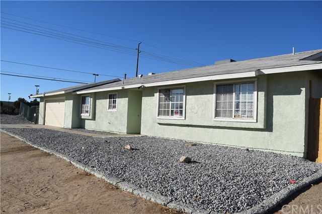 Detail Gallery Image 1 of 20 For 15316 Tokay St, Victorville, CA 92395 - 3 Beds | 2 Baths