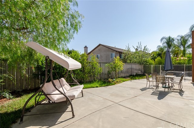 31910 Reyes Ct, Temecula, CA 92591 Photo 2