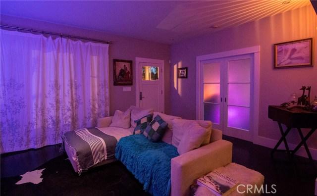 1126 11th Street, San Pedro CA: http://media.crmls.org/medias/5d7c825e-2607-4eba-8abe-96ed2988cfe8.jpg