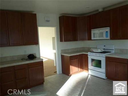329 Encino Lane, San Clemente CA: http://media.crmls.org/medias/5d87e458-1cb7-4db1-85fb-9b28ba8d0a7f.jpg