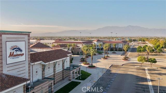 14912 Franklin Lane, Eastvale CA: http://media.crmls.org/medias/5d933408-ec2d-4020-987b-2d6506fac14a.jpg