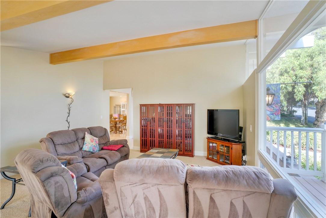 18 Ranchview Road, Rolling Hills Estates CA: http://media.crmls.org/medias/5d94de45-a0ae-454a-b339-6feec019b1de.jpg