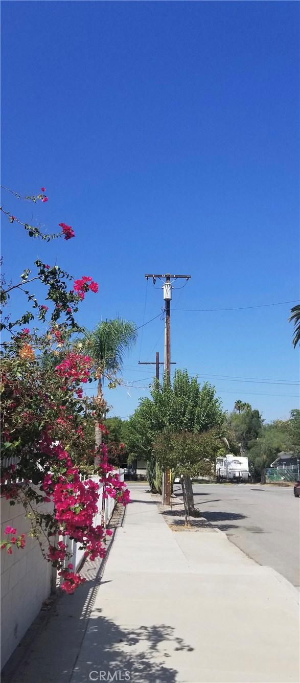 867 Hazel Avenue San Bernardino, CA 92410 - MLS #: EV18189803