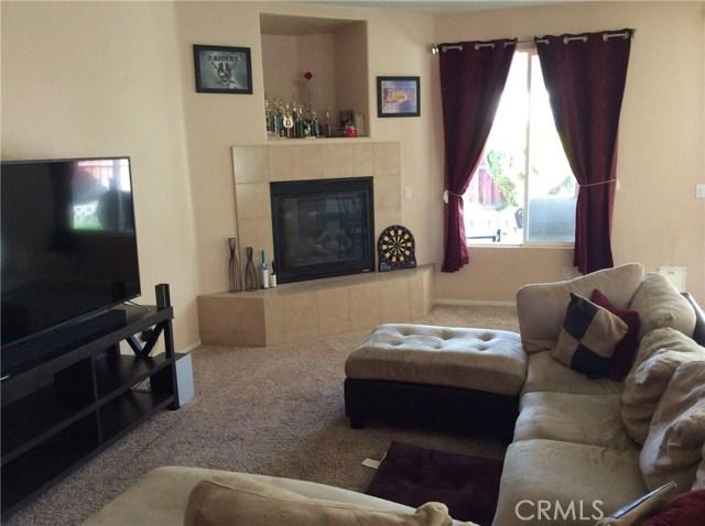1487 Corona Street, San Jacinto CA: http://media.crmls.org/medias/5db90396-b55b-4bdb-9588-5cdf1fe5fd4e.jpg