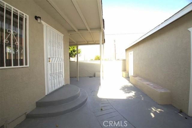 6619 Lucille Avenue, Bell CA: http://media.crmls.org/medias/5db9f9d2-ae94-4c9a-b559-53667d0af438.jpg