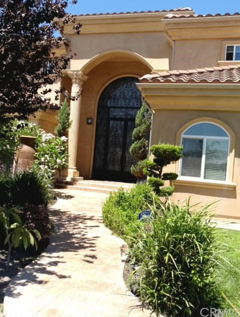 90241 6 Bedroom Home For Sale