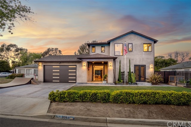 Detail Gallery Image 1 of 55 For 924 Evergreen Pl, Costa Mesa,  CA 92627 - 4 Beds | 3/1 Baths
