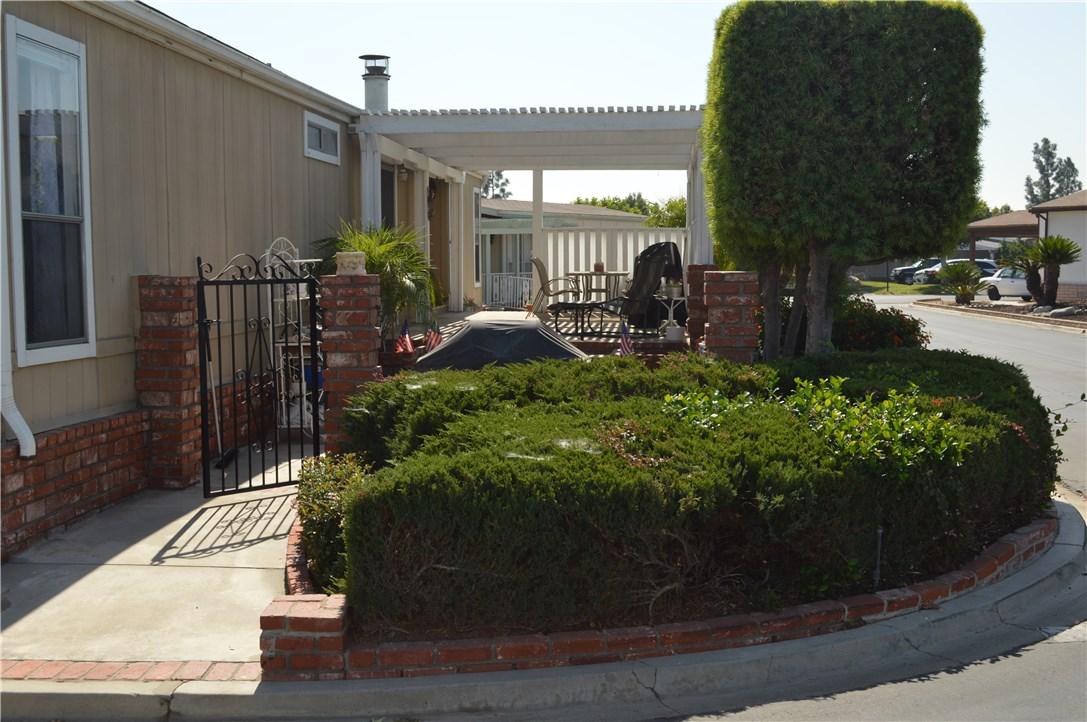 1256 Harbor Lake Avenue, Brea CA: http://media.crmls.org/medias/5dd0fdd8-22ae-4654-bc9f-c47e3aa354e3.jpg