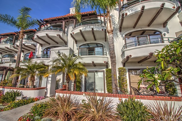 Condominio por un Venta en 4257 E Ocean Blvd Long Beach, California 90803 Estados Unidos