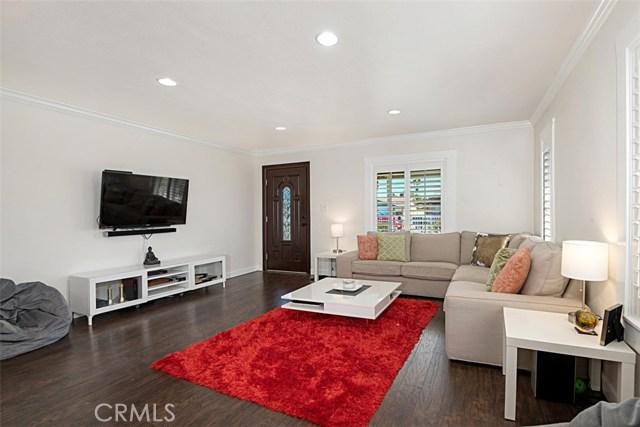 125 S Harding Avenue, Anaheim CA: http://media.crmls.org/medias/5deb95ba-60d2-4296-9ef7-41a679f71d7f.jpg