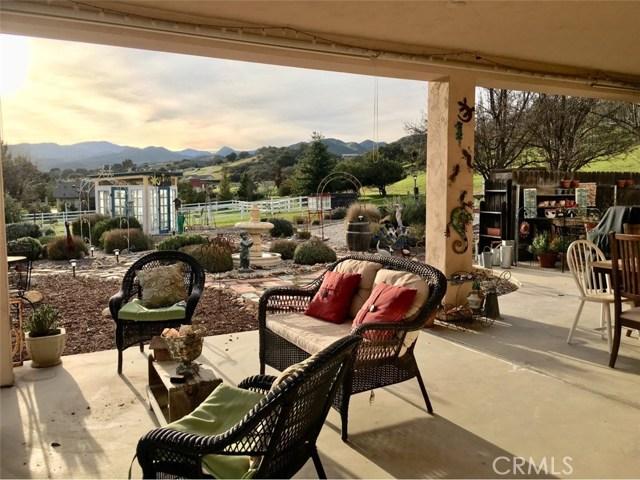 45126 Palomino Road, King City CA: http://media.crmls.org/medias/5df473ca-5023-4791-af9a-122787374429.jpg