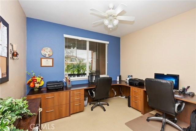 9278 Archwood Court, Riverside CA: http://media.crmls.org/medias/5e1fe905-3b0c-497a-aeb8-e2d86fdcd47d.jpg