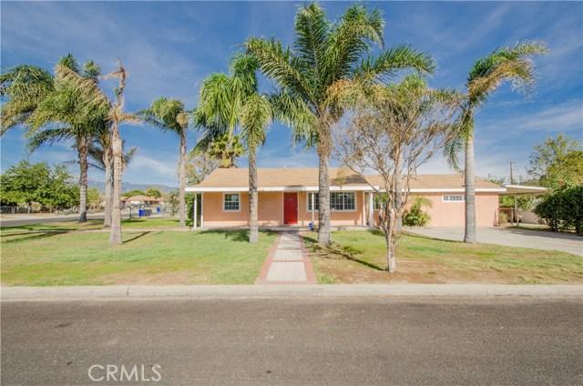 9491 Palm Lane, Fontana CA: http://media.crmls.org/medias/5e2ce2f4-1e96-427b-ab07-ca4253af500b.jpg
