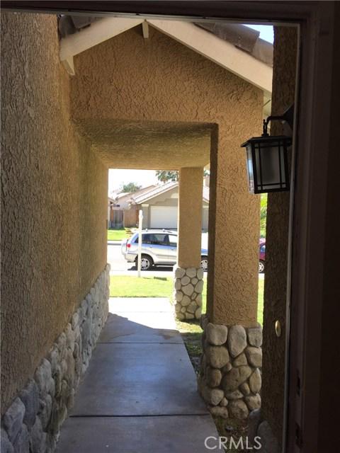 5193 Sierra Cross Way, Riverside CA: http://media.crmls.org/medias/5e2d22fc-13b4-4a5d-9b8c-daa0c05f8eaa.jpg