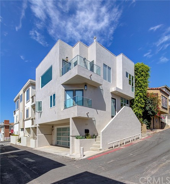 217 Marine Place, Manhattan Beach, California 90266, 2 Bedrooms Bedrooms, ,2 BathroomsBathrooms,Single family residence,For Sale,Marine,SB19218424