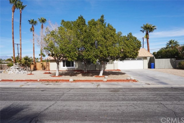 2952 E Vincentia Rd, Palm Springs, CA 92262