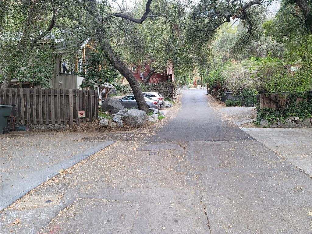 675 Brookside Lane, Sierra Madre CA: http://media.crmls.org/medias/5e3d6ba8-60c0-4058-9564-735cb5037072.jpg