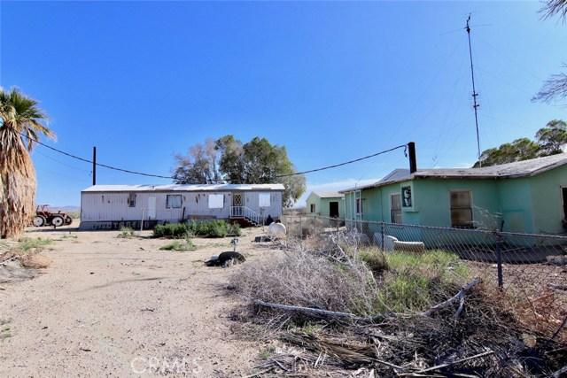8995 Wilkins Road, Niland CA: http://media.crmls.org/medias/5e41c7ba-cf4c-494d-8986-83b09321b682.jpg
