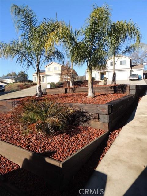 215 Mira Loma Drive, Oroville CA: http://media.crmls.org/medias/5e53fff4-4482-4f33-bb02-93dfd9276b5e.jpg