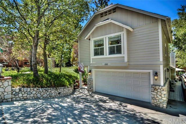 1310 YOSEMITE Drive Lake Arrowhead CA  92352