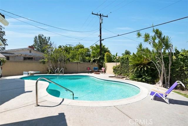 1335 S Fann Street, Anaheim CA: http://media.crmls.org/medias/5e80d1f8-406f-4a5d-a423-1cfa3d2163f8.jpg
