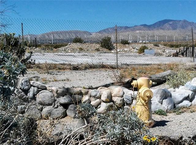 16605 Indian Canyon Drive, Desert Hot Springs CA: http://media.crmls.org/medias/5ea21d02-0487-4661-be0b-e58fa3504e1a.jpg