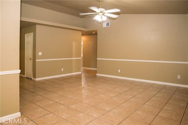 5321 W Fedora Avenue, Fresno CA: http://media.crmls.org/medias/5ea76a7e-7b74-4d81-8595-d680a3387a43.jpg