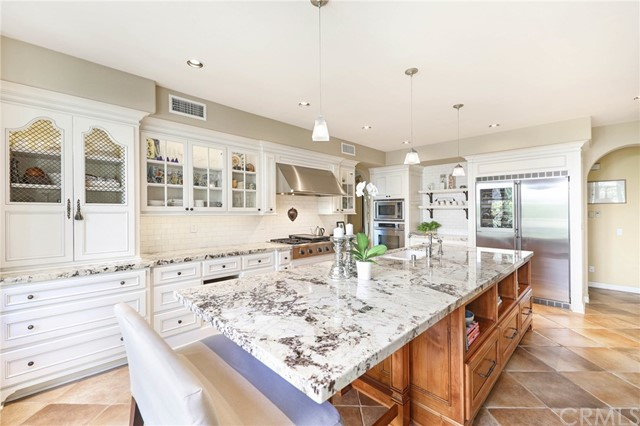 39 Whitehall  Newport Beach, CA 92660
