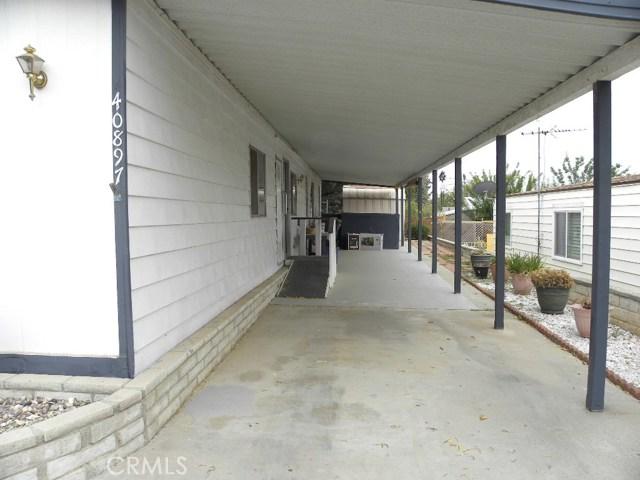 40897 Laredo, Cherry Valley CA: http://media.crmls.org/medias/5ebb0412-7522-419f-b703-14abe2cf8f27.jpg