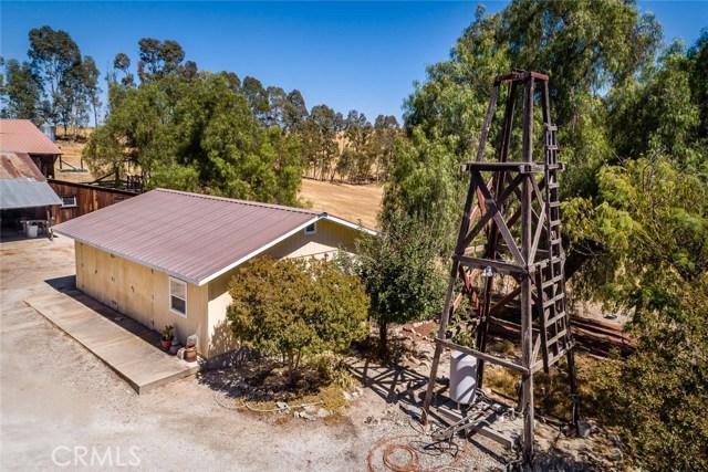 6260 Independence Ranch Lane, San Miguel CA: http://media.crmls.org/medias/5ebba355-dd58-4e0a-b7f0-57d8e22620c2.jpg