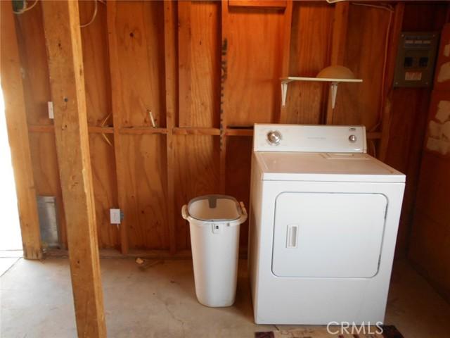 6941 Alpine Avenue, 29 Palms CA: http://media.crmls.org/medias/5ec21bb5-d6fd-4b01-9114-aa4f7bce3947.jpg