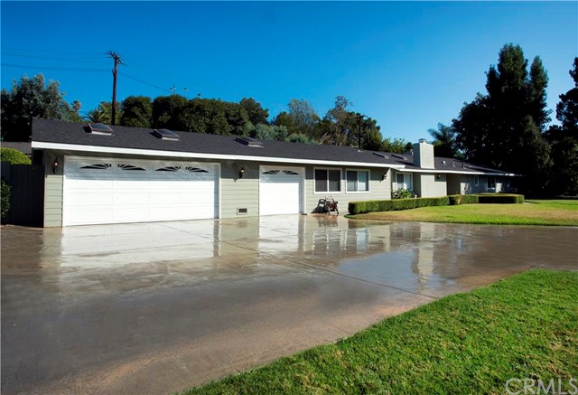 Single Family Home for Sale at 12192 Skyway St North Tustin, California 92705 United States