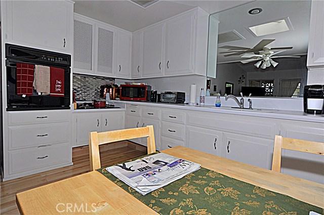 13741 Annandale Drive, Seal Beach CA: http://media.crmls.org/medias/5ed866ea-25a7-4d3e-83c7-eb22bc816dc4.jpg