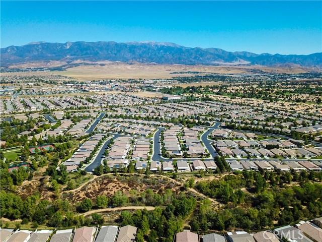 352 Mock Bluff, Beaumont CA: http://media.crmls.org/medias/5ed8a955-9e3b-4199-aa03-76292a4bc572.jpg