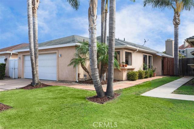 Single Family Home for Sale at 1404 Lakeside St Huntington Beach, California 92648 United States