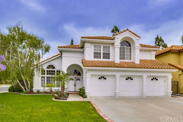 Single Family Home for Sale at 28552 Oakmont St Mission Viejo, California 92692 United States