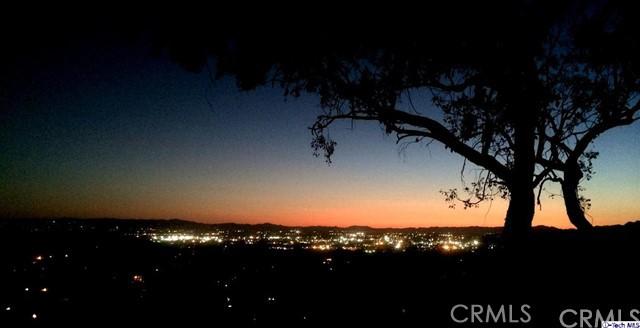 独户住宅 为 销售 在 9250 Del Arroyo Drive Sun Valley, 91352 美国